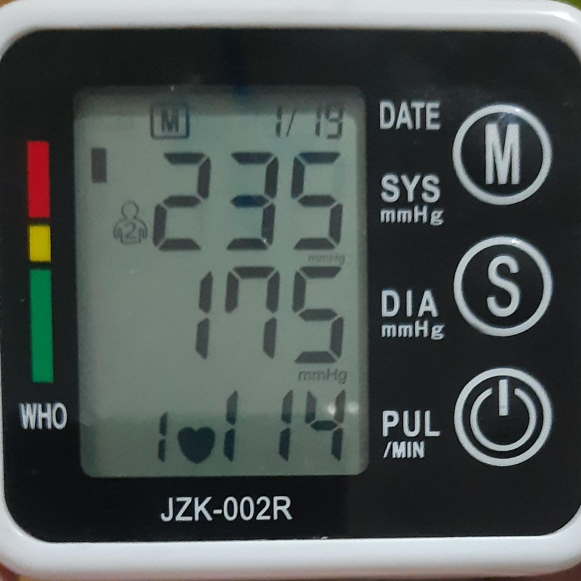 Membekam Klien Darah Tinggi dengan Tensi 235 / 175